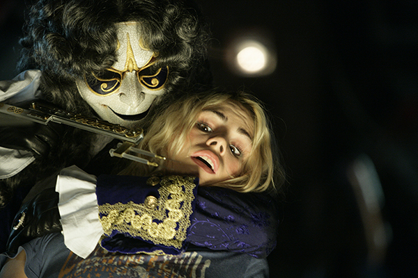 unit still from Doctor Who, Rose attacked by clockwork person