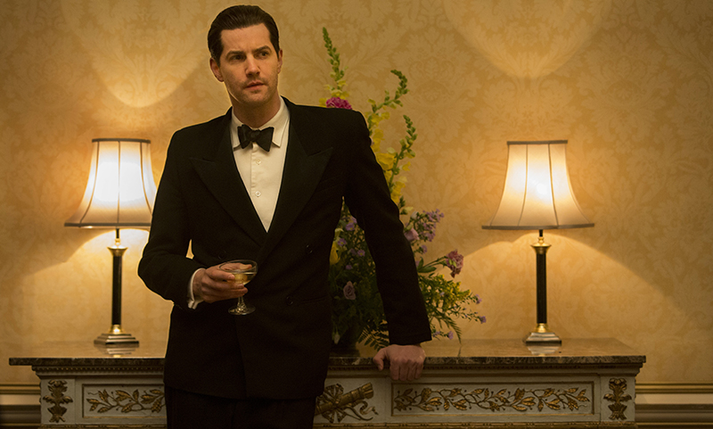 Callum (Jim Sturgess) in dinner suit